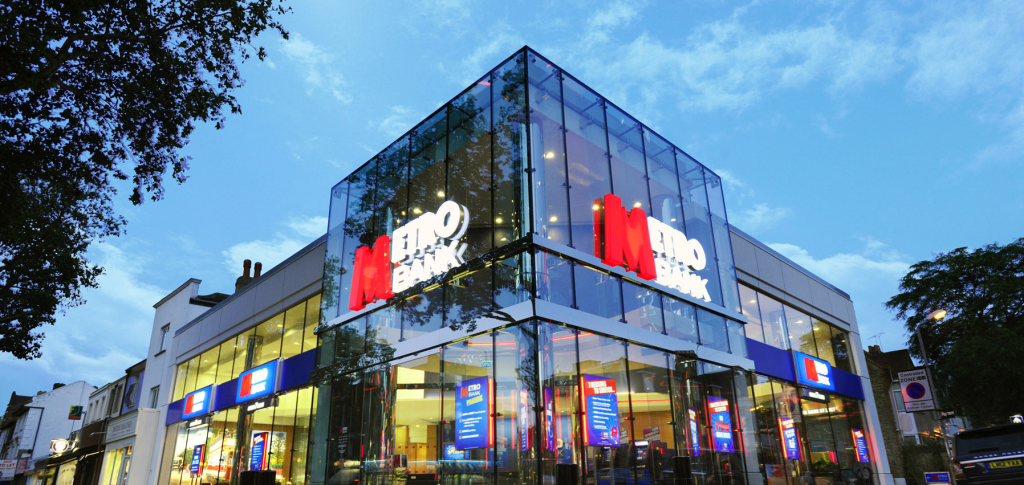 Metro Bank Reduces Call Hunting Time by 15% with CTI